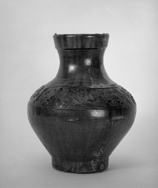 Ewer (Hu), 100 B.C.E.-C.E. 100. Earthenware with lead glaze, 12 x 9 15/16 in. (30.5 x 25.3 cm). Brooklyn Museum, The William E. Hutchins Collection, Bequest of Augustus S. Hutchins, 52.49.25. Creative Commons-BY