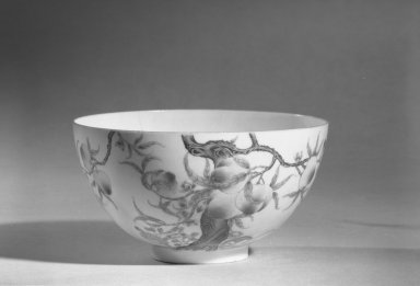 Bowl, 1736-1795. Porcelain with painting in overglaze enamels, 6.8 x 12.3 cm (6.8 x 12.3 cm). Brooklyn Museum, The William E. Hutchins Collection, Bequest of Augustus S. Hutchins, 52.49.45. Creative Commons-BY