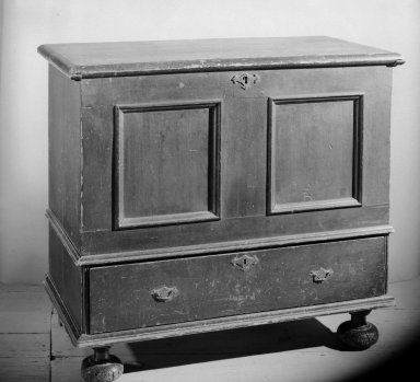 Chest, 1740-1780. Pine, 37 1/2 x 41 3/4 x 20 in. (95.3 x 106 x 50.8 cm). Brooklyn Museum, Gift of the Monroe and Estelle Hewlett Collection, 52.93.41. Creative Commons-BY