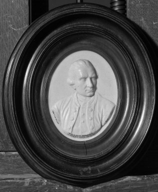 James Tassie (1735-1799). Portrait Medallion, 1792. Glass, Medallion: 4 1/2 x 3 3/8 in. (11.4 x 8.6 cm). Brooklyn Museum, Gift of Emily Winthrop Miles, 53.264.25. Creative Commons-BY