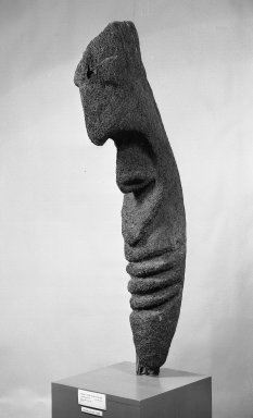 Large Figure. Painted, carved fern root, 55 1/8 x 12 5/8 in. (140 x 32 cm). Brooklyn Museum, Carll H. de Silver Fund, 54.45. Creative Commons-BY