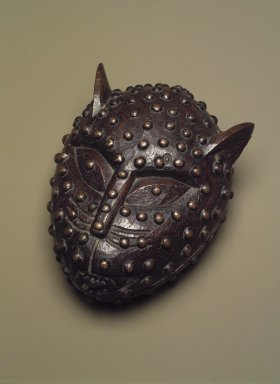 Edo. Box in the Form of a Leopard's Head, 19th century. Wood, metal, 6 3/4 x 5 1/2 in. (17.1 x 14 cm). Brooklyn Museum, Gift of Arturo and Paul Peralta-Ramos, 56.6.31a-b. Creative Commons-BY