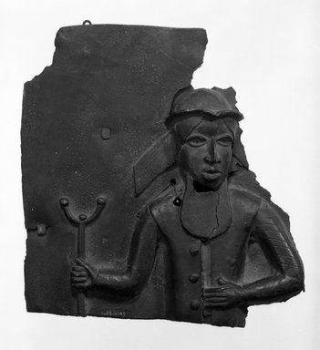 Edo. Plaque, 16th or 17th century. Bronze, 9 5/8 x 9 1/4 in. (24.5 x 23.7 cm). Brooklyn Museum, Gift of Arturo and Paul Peralta-Ramos, 56.6.69. Creative Commons-BY