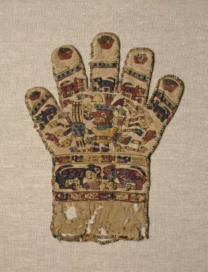 Wari. Textile in the Form of a Glove, 650-800 C.E. Cotton, camelid fiber, 11 1/4 x 8 11/16 in. (28.6 x 22.1 cm). Brooklyn Museum, Charles Stewart Smith Memorial Fund and Museum Collection Fund, 58.204. Creative Commons-BY