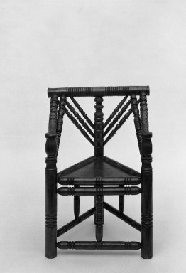 American. Windsor Side Chair, ca. 1820-1840. Maple, pine, ash, 36 x 15 x 15 5/8 in. (91.4 x 38.1 x 39.7 cm). Brooklyn Museum, Dick S. Ramsay Fund, 59.188.3. Creative Commons-BY
