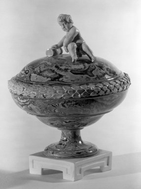 Wedgwood & Bentley (1759-present). Covered Compote, One of Pair, ca. 1775. Creamware, H: 5 7/8 in. (14.9 cm). Brooklyn Museum, Gift of Emily Winthrop Miles, 60.198.24a. Creative Commons-BY