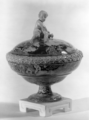 Wedgwood & Bentley (1759-present). Covered Compote, One of Pair, ca.1775. Creamware, H: 5 7/8 in. (14.9 cm). Brooklyn Museum, Gift of Emily Winthrop Miles, 60.198.24b. Creative Commons-BY