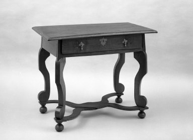 American. Dressing Table, ca. 1690. Walnut, 21 x 36 1/2 x 28 3/8 in. (53.3 x 92.7 x 72.1 cm). Brooklyn Museum, Anonymous gift, 60.78. Creative Commons-BY