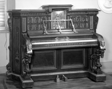 Martins & Son. Pianoforte, ca. 1870. Rosewood, walnut, 57 x 80 x 30 in. (144.8 x 203.2 x 76.2 cm). Brooklyn Museum, Gift of Mrs. Ray Blatt and Joseph Blatt, 61.231. Creative Commons-BY
