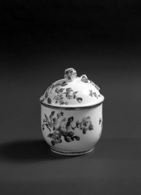 Mennecy Pottery Factory. Honey Jar with Cover, ca. 1745. Porcelain, 4 in. (10.2 cm). Brooklyn Museum, Gift of Pearl and Donald S. Morrison, 61.232.18a-b. Creative Commons-BY