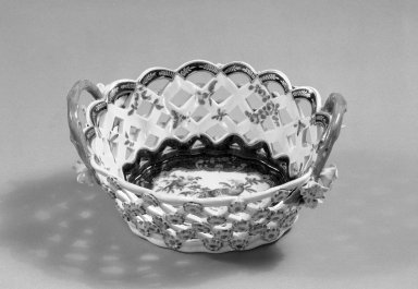 Worcester Royal Porcelain Co. (founded 1751). Basket, ca. 1765. Porcelain, 3 3/8 x 7 1/4 x 7 1/4 in. (8.6 x 18.4 x 18.4 cm). Brooklyn Museum, Gift of Pearl and Donald S. Morrison, 61.232.8. Creative Commons-BY
