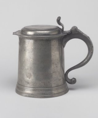 Frederick Bassett (American, active 1761-1800). One-quart Tankard, ca. 1770. Pewter, 6 7/8 x 7 3/8 x 5 1/2 in. (17.5 x 18.7 x 14 cm). Brooklyn Museum, Gift of Mrs. Bergen Glover, 61.51.4. Creative Commons-BY