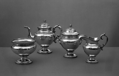 Garrett Eoff (1779-1845). Teapot from Tea Set. Silver Brooklyn Museum, Bequest of Dorothy J. Kerby, 61.82.4. Creative Commons-BY
