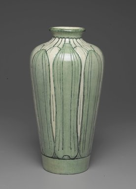 Newcomb Pottery. Vase, 1902-1904. Earthenware, Height: 12 in. (30.5 cm). Brooklyn Museum, Dick S. Ramsay Fund, 62.151. Creative Commons-BY