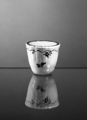 Pounce Pot, ca. 1780. Porcelain, 2 1/16 x 2 5/16 in. (5.2 x 5.9 cm). Brooklyn Museum, Gift of H. Randolph Lever in memory of Mary E. Lever, 62.78.13. Creative Commons-BY