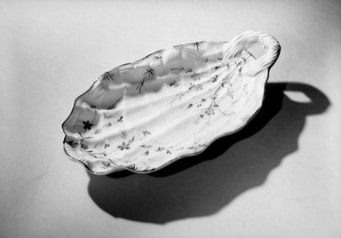 Union Porcelain Works (1863-ca.1922). Bonbon Dish, 1887. Porcelain, 1 1/4 x 4 3/4 x 8 5/8 in. (3.2 x 12.1 x 21.9 cm). Brooklyn Museum, Dick S. Ramsay Fund, 63.5. Creative Commons-BY