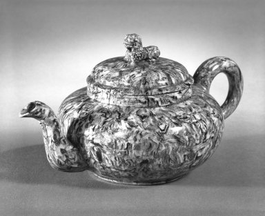 attributed to Thomas Whieldon (1719-1795). Small Teapot, ca. 1750. Marbleized ware, 3 3/4 x 2 7/8 in. (9.5 x 7.3 cm). Brooklyn Museum, Gift of the Estate of Emily Winthrop Miles, 64.195.9. Creative Commons-BY