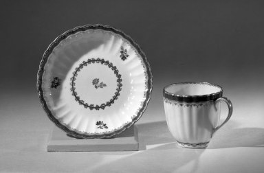 Coffee Cups and Saucers, One of Set, ca. 1795-1796. Porcelain, cup: 2 1/2 x 2 5/8 in. (6.4 x 6.7 cm). Brooklyn Museum, Anonymous gift, 64.241.48. Creative Commons-BY