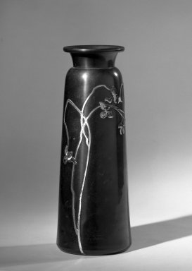 Possibly Annesley Gallery. Vase, ca. 1900. Copper or copper and brass alloy, 9 1/2 x 3 in. (24.1 x 7.6 cm). Brooklyn Museum, Anonymous gift, 64.241.73. Creative Commons-BY
