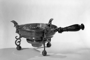 Brazier, about 1700. Brass, 5 1/2 x 14 1/2 in. (14 x 36.8 cm). Brooklyn Museum, Purchased with funds given by anonymous donors, 64.3.8. Creative Commons-BY