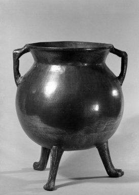 Cauldron, ca. 1660. Brass, 12 3/4 x 8 in. (32.4 x 20.3 cm). Brooklyn Museum, Purchased with funds given by anonymous donors, 64.48.10. Creative Commons-BY