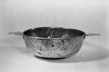 Basin, 17th century. Brass, 10 in. (25.4 cm). Brooklyn Museum, Purchased with funds given by anonymous donors, 64.48.8. Creative Commons-BY