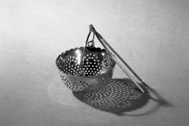 Gale and Hayden. Tea Strainer, ca. 1850. Silver, 2 in. (5.1 cm). Brooklyn Museum, Gift of Bessie C. Workman, 64.86.1. Creative Commons-BY