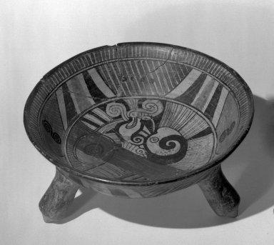 Tripod bowl. Ceramic Brooklyn Museum, Gift of Frances Pratt, 65.17.1. Creative Commons-BY
