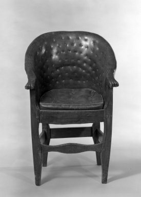 Child's Chair, ca. 1800. Oak and fruitwood, 33 3/4 x 18 1/2 x 17 in. (85.7 x 47 x 43.2 cm). Brooklyn Museum, Gift of Rodman A. Heeren, 66.113.2. Creative Commons-BY