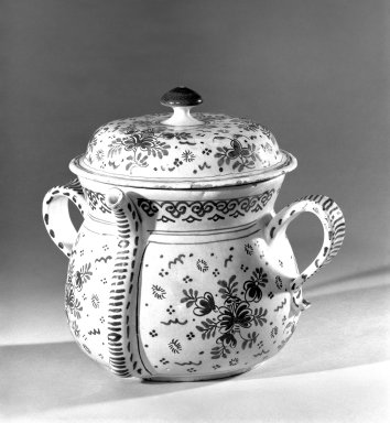 Posset Pot and Cover, ca.1700. Tin-glazed earthenware, 7 1/2 x 6 in. (19.1 x 15.2 cm). Brooklyn Museum, H. Randolph Lever Fund, 66.31. Creative Commons-BY