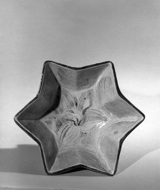 Henry Varnum Poor (American, 1887-1970). Jardiniere, ca. 1927. Glazed terra-cotta, 5 x 10 1/4 in. (12.7 x 26 cm). Brooklyn Museum, H. Randolph Lever Fund, 66.73.10. Creative Commons-BY
