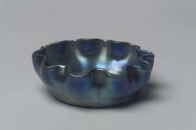 Tiffany Studios (1902-1932). Salt Cellar, ca. 1896-1919. Opalescent glass, 1 x 2 7/8 x 2 7/8 in. (2.5 x 7.3 x 7.3 cm). Brooklyn Museum, Bequest of Laura L. Barnes, 67.120.73. Creative Commons-BY