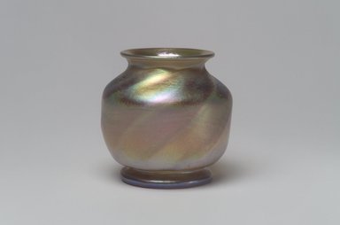 Tiffany Studios (1902-1932). Vase, ca. 1896-1900. Opalescent glass, 2 1/4 x 2 1/2 x 2 1/2 in. (5.7 x 6.4 x 6.4 cm). Brooklyn Museum, Bequest of Laura L. Barnes, 67.120.78. Creative Commons-BY