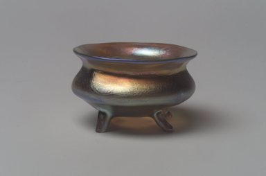 Tiffany Studios (1902-1932). Salt Cellar, ca. 1901-1905. Opalescent glass, 1 1/8 x 2 x 2 in. (2.9 x 5.1 x 5.1 cm). Brooklyn Museum, Bequest of Laura L. Barnes, 67.120.82. Creative Commons-BY