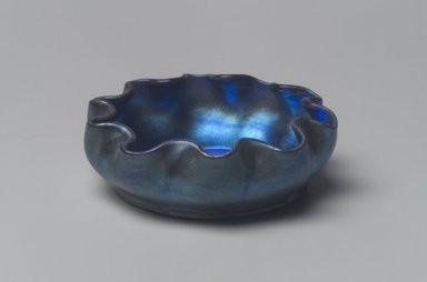 Tiffany Studios (1902-1932). Salt Cellar, ca. 1900-1920. Opalescent glass, 1 x 2 15/16 x 2 15/16 in. (2.5 x 7.5 x 7.5 cm). Brooklyn Museum, Bequest of Laura L. Barnes, 67.120.87. Creative Commons-BY