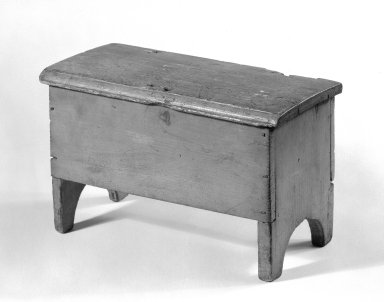Miniature Chest, ca. 1800. Pine, Other: 6 1/2 x 10 1/2 x 5 1/4 in. (16.5 x 26.7 x 13.3 cm). Brooklyn Museum, Gift of Mr. and Mrs. Henry Sherman, 67.128.18. Creative Commons-BY