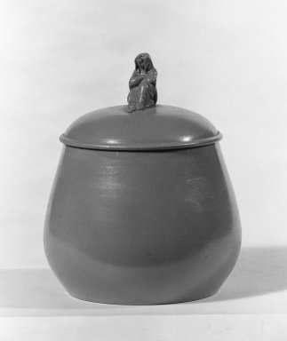 Wedgwood (1759-present). Sugar Bowl, ca. 1880. Drabware, 4 1/8 x 3 1/2 in. (10.5 x 8.9 cm). Brooklyn Museum, Gift of Samuel L. Zeigen, 67.16.1. Creative Commons-BY