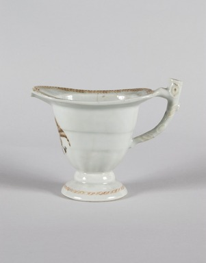 Pitcher, ca. 1800. Chinese export porcelain, 5 1/8 x 3 1/2 x 6 1/2 in. (13 x 8.9 x 16.5 cm). Brooklyn Museum, H. Randolph Lever Fund, 67.77. Creative Commons-BY