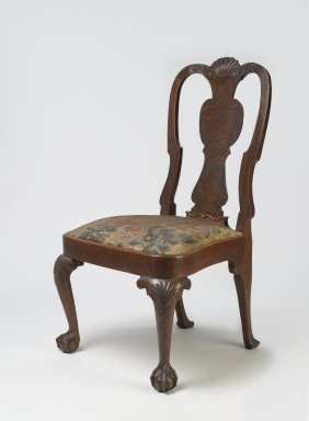 American. Side Chair, ca. 1750. Walnut and walnut veneer, Overall height: 38 1/4 in. (97.2 cm). Brooklyn Museum, H. Randolph Lever Fund, 68.182.1. Creative Commons-BY