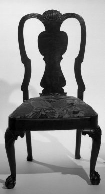 American. Side Chair, ca.1750. Walnut and walnut veneer, 38 1/2 x 21 1/2 x 23 in. (97.8 x 54.6 x 58.4 cm). Brooklyn Museum, H. Randolph Lever Fund, 68.182.2. Creative Commons-BY