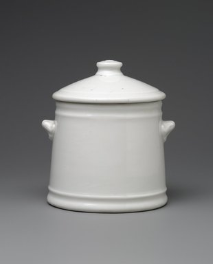 Union Porcelain Works (1863-ca. 1922). Sugar Bowl and Cover, ca. 1876. Porcelain, 4 1/8 x 3 3/4 x 3 1/2 in. (10.5 x 9.5 x 8.9 cm). Brooklyn Museum, Gift of Franklin Chace, 68.87.35a-b. Creative Commons-BY