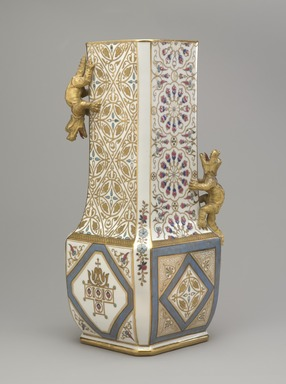 Union Porcelain Works (1863-circa 1922). Vase, ca. 1884. Porcelain, 14 7/8 x 6 1/4 x 6 1/4 in. (37.8 x 15.9 x 15.9 cm). Brooklyn Museum, Gift of Franklin Chace, 68.87.44. Creative Commons-BY