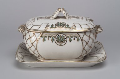 Union Porcelain Works (1863-ca.1922). Gravy Bowl with Attached Saucer and Cover, ca. 1880. Porcelain, 4 1/2 x 7 3/8 x 4 7/8 in. (11.4 x 18.7 x 12.4 cm). Brooklyn Museum, Gift of Franklin Chace, 68.87.7a-b. Creative Commons-BY