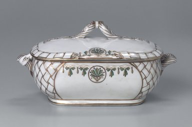 Union Porcelain Works (1863-circa 1922). Vegetable Dish and Cover, ca. 1880. Porcelain, 5 1/2 x 10 15/16 x 5 15/16 in. (14 x 27.8 x 15.1 cm). Brooklyn Museum, Gift of Franklin Chace, 68.87.8a-b. Creative Commons-BY