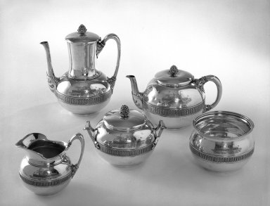 Tiffany & Company (American, founded 1853). Coffee Pot, ca. 1868. Silver, 9 in. (22.9 cm). Brooklyn Museum, Gift of Eleanor Keveney in memory of Clarence A. Pratt, 71.144.1. Creative Commons-BY