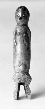 Figurine Individally Held by a Kindi (Maginga)
