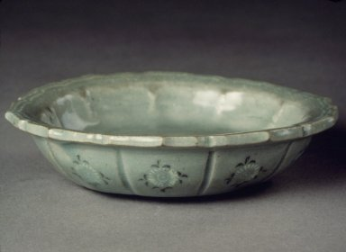 Bowl, 13th century. Porcelaneous stoneware with celadon glaze, Height: 4 1/8 in. (10.5 cm). Brooklyn Museum, Gift of Bernice and Robert Dickes, 72.162.2. Creative Commons-BY