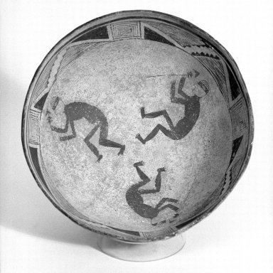 Mimbres (Native American). Bowl, 950-1150 C.E. Ceramic, slip, pigment, 4 x 9 3/4 x 9 3/4 in. (10.2 x 24.8 x 24.8 cm). Brooklyn Museum, By exchange, 73.35.1. Creative Commons-BY