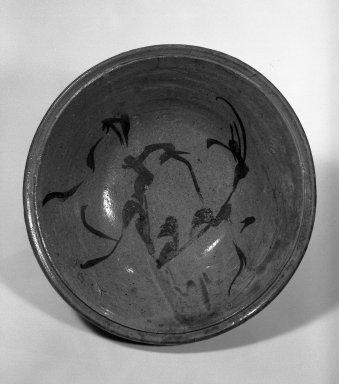 Bowl, 17th century. Galzed stoneware with underglaze iron decoration; Mino ware, Kasahara type, 4 x 14 in. (10.2 x 35.6 cm). Brooklyn Museum, Designated Purchase Fund, 74.109.1. Creative Commons-BY