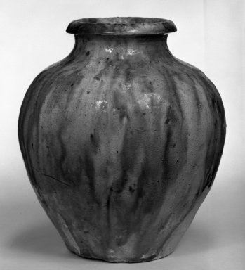 Jar, 618-907. Earthenware with four-color lead glaze, H: 4 15/16 in. (12.5 cm). Brooklyn Museum, Gift of Bernice and Robert Dickes, 74.159.1. Creative Commons-BY